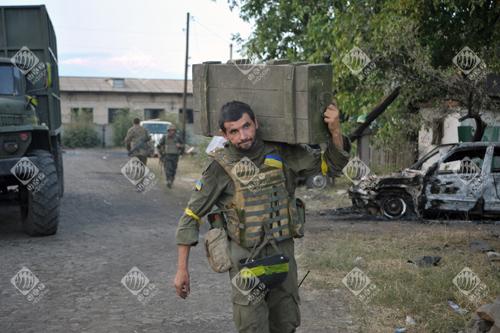 Український військовий перед виходом з Іловайська