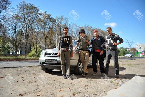 Журналісти Георгій Тихий (німецьке ТB ARD), Максим Левін (LB.ua), Маркіян Лисейко (Укрінформ) та Іван Любиш-Кірдей (німецьке ТB ARD)