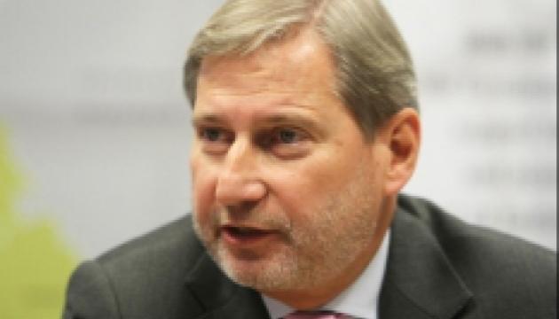 Hahn erinnert Ukraine an Verpflichtung bezüglich e-Deklarationen für Aktivisten