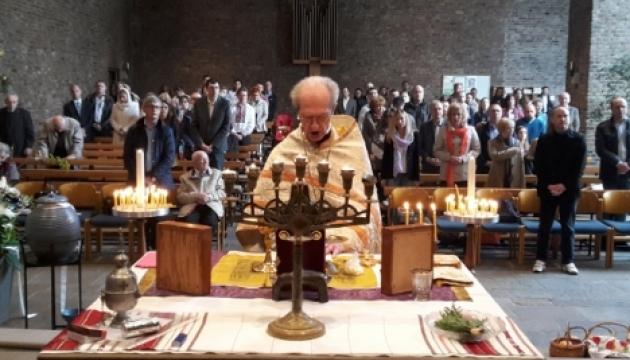Православні українці в Німеччині за Помісну Церкву на Батьківщині