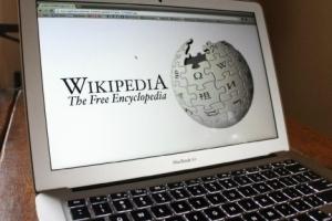英語版ウィキペディアの「キーウ」のページ名がKievからKyivへ改名=クレーバ外相