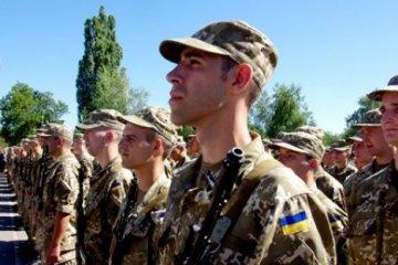 Streitkräfte: 104.000 Vertragssoldaten binnen zwei Jahren