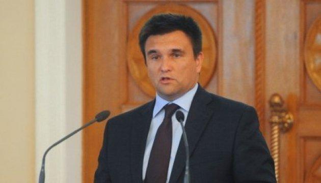 Klimkin: Visados con Rusia crearán problemas para los ucranianos de los territorios ocupados