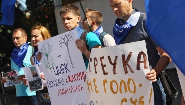 Кандидата з Чернівців за «гречку» чекає міжнародний розшук