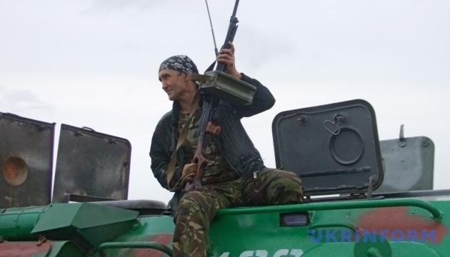 Бойовики витягли танки й гранатомети: 18 обстрілів за день