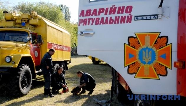На Івано-Франківщині обмежили рух: дощі розмили дорогу