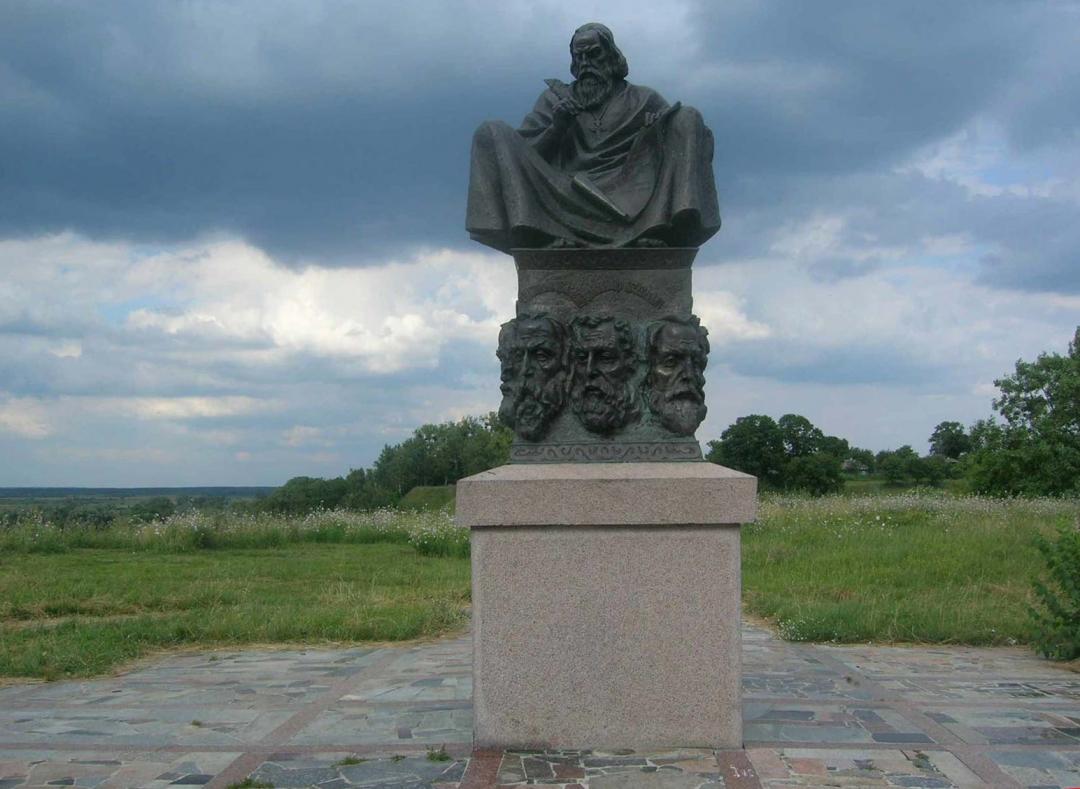 Пам'ятник князівському з'їзду в Любечі. Фото: liveinternet