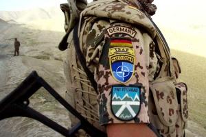 Германия на год продлила военную миссию в Афганистане