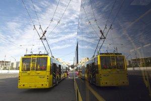 На Солом'янці тролейбус збив жінку на переході