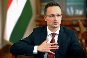 Будапешт виступає за продовження діалогу між ЄС та Білоруссю - Сіярто
