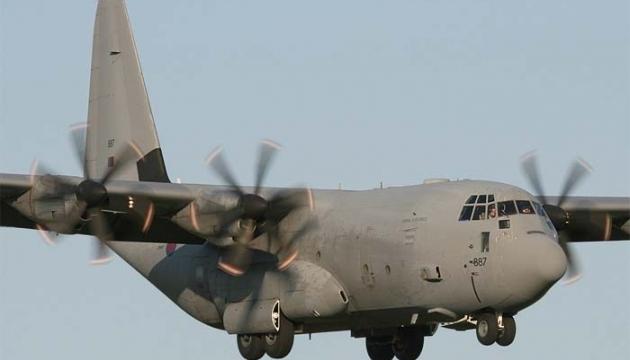 Військовий літак США здійснив аварійну посадку у Канаді