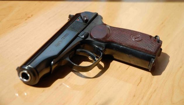 Поліцейський-хабарник з Кривого Рогу намагався застрелитись під час затримання