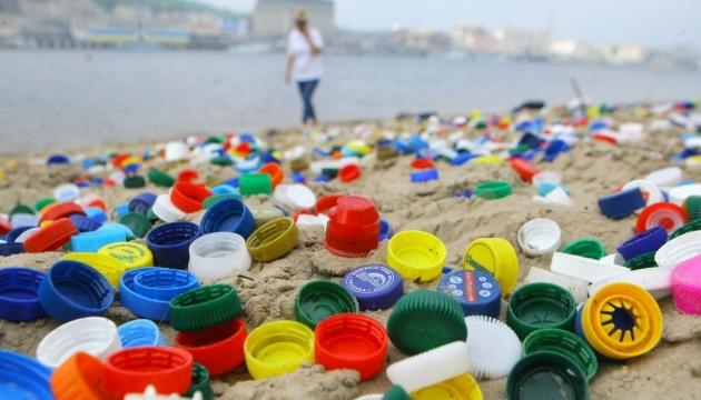 Канада запретит одноразовый пластик