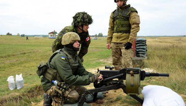 Canadian military experts to work in Ukraine for another year