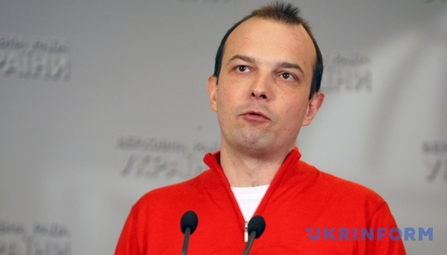 Всех задержанных под Соломенским судом отпустили на поруки депутатов – Соболев