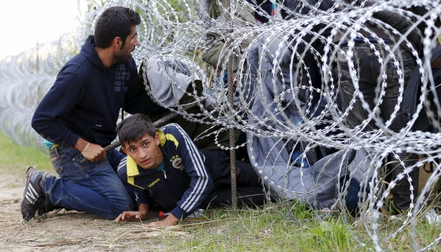 В Румынии задержали фуру с мигрантами