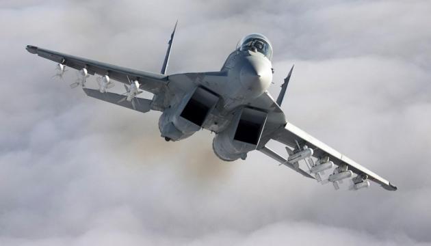 Іранський дрон кружляв над винищувачем США