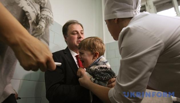 Щеплення від поліомієліту не переноситимуть через грип