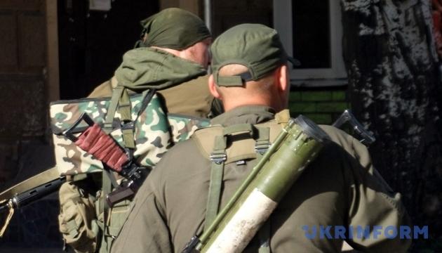 Під Пісками гранатомети бойовиків поранили двох волонтерів