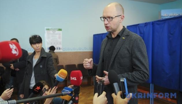 Выборы не повлияют на состав Кабмина - Яценюк