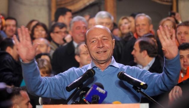 Молдова объединится с Румынией путем голосования - Бэсеску