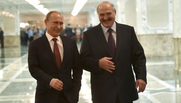 Лукашенко заявляє, що домовився з Путіним про