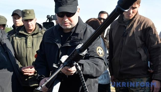 Україні недостатньо вітчизняної зброї для протидії агресору - Турчинов