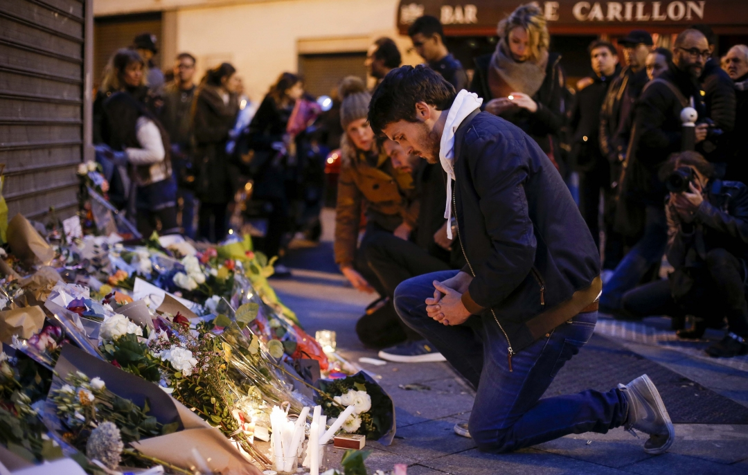Світ вшанував пам'ять жертв терактів у Парижі. Париж, Франція