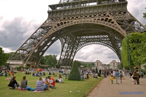 Франція вдесятеро збільшує плату за навчання студентів з-поза ЄС