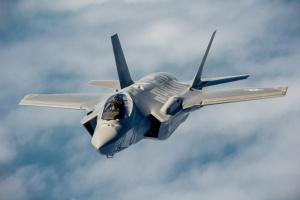 Трамп за годину до інавгурації Байдена продав ОАЕ пів сотні винищувачів F-35 - ЗМІ