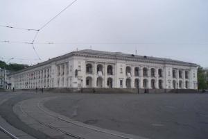 Киев готов принять на баланс Гостиный двор и Дом Сикорского