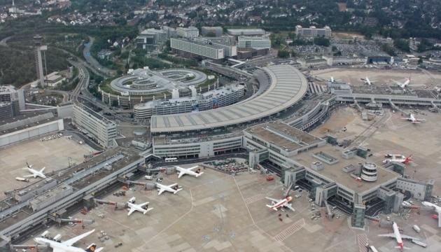 Три немецких аэропорта завтра будут бастовать
