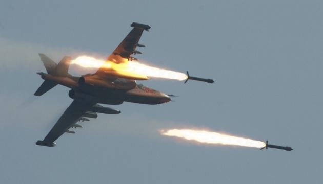 Авиация РФ за 12 часов нанесла 30 ударов по пустынным районам в Сирии - правозащитники