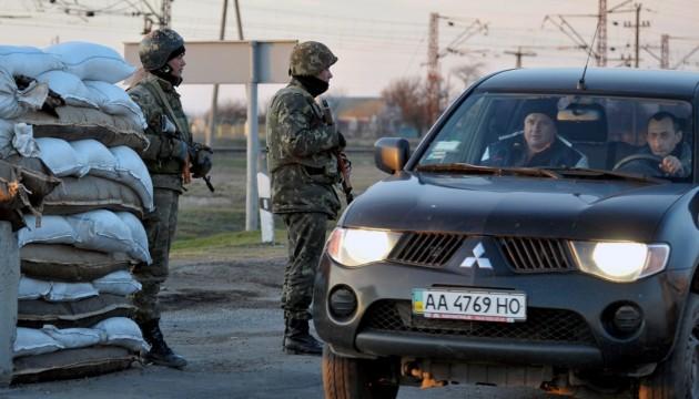 На Чонгарі втричі збільшилася черга автівок до Криму