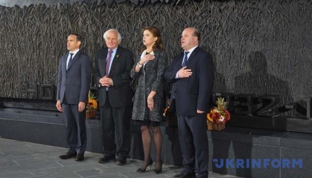 У Вашингтоні відкрили пам'ятник жертвам Голодомору в Україні