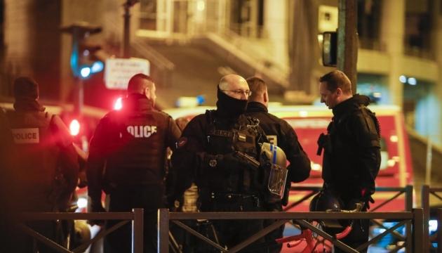 Теракти в Парижі: у смертника знайшли сирійський паспорт
