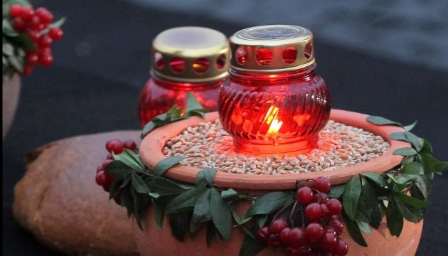 Three-quarters of Ukrainians recognize Holodomor as genocide
