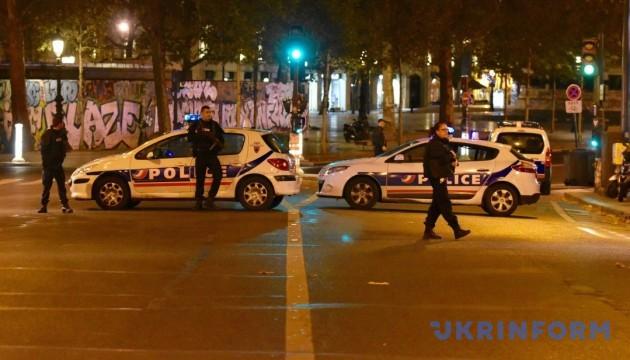 Во Франции продлили действие чрезвычайного положения