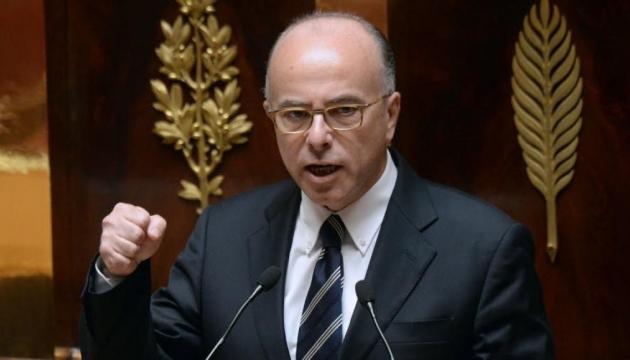 Вибори у Франції: Казньов та партія Олланда закликали підтримати Макрона