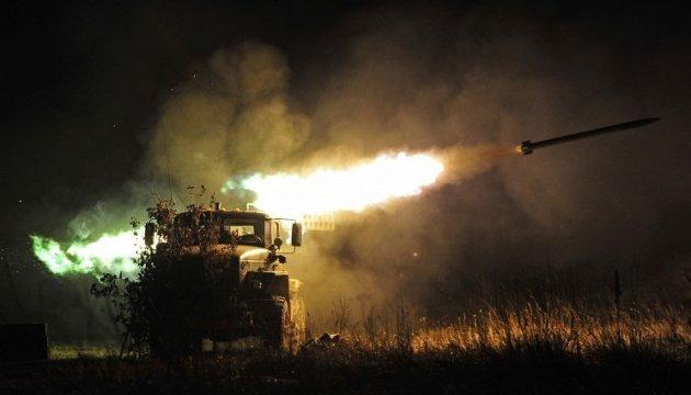 АТО: бойовики обстрілюють всі напрямки, під Новотроїцьким - снайпер