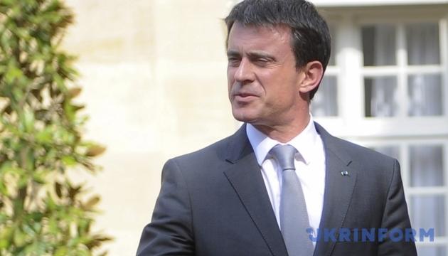Французская оппозиция провалила отставку премьера
