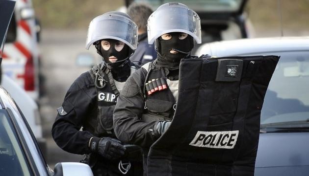 Протести у Парижі: затримали вже понад 200, близько сотні поранені