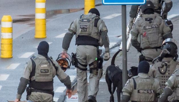 У центрі Брюсселя озброєний чоловік напав на солдатів