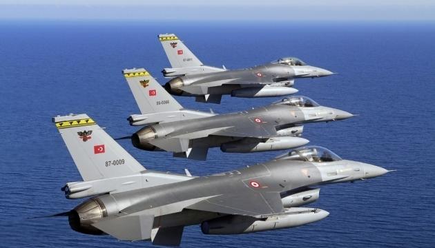 Турецкие истребители над Грецией вели условные бои