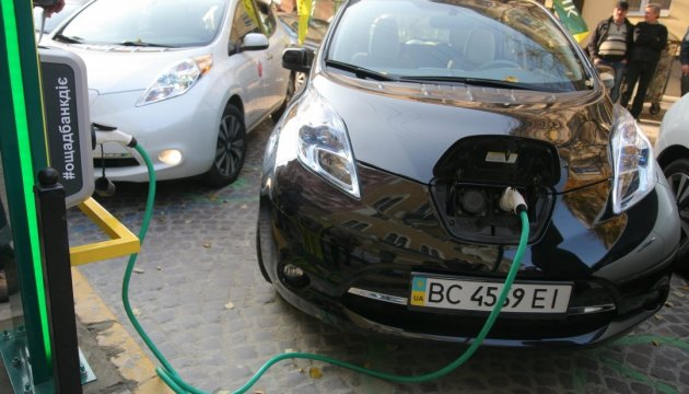 Minister Omelian: Electric vehicle imports to be exempted from VAT till 2023