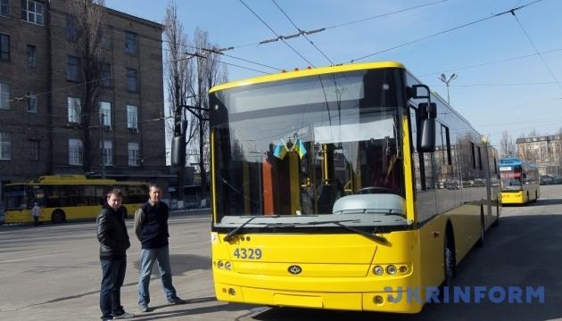 Громадський транспорт Києва у суботу працюватиме за розкладом робочого дня