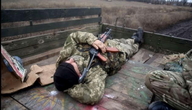 Каждый 4-й украинец готов защищать страну с оружием - опрос