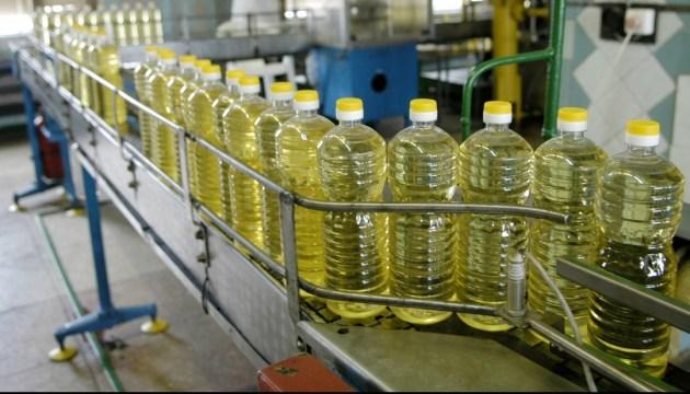 Майже половина українського експорту олії припадає на Індію - експерт