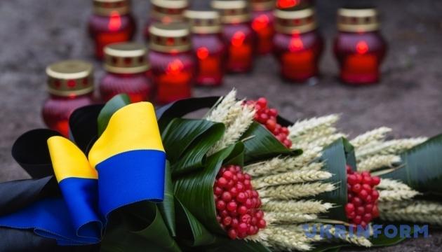 На виставці у Музеї Голодомору презентують історій десятьох українців