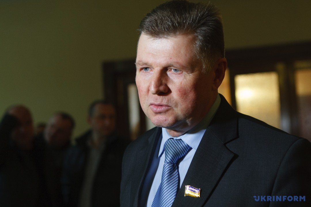 Депутат від Закарпатської обласної організації політичної партії